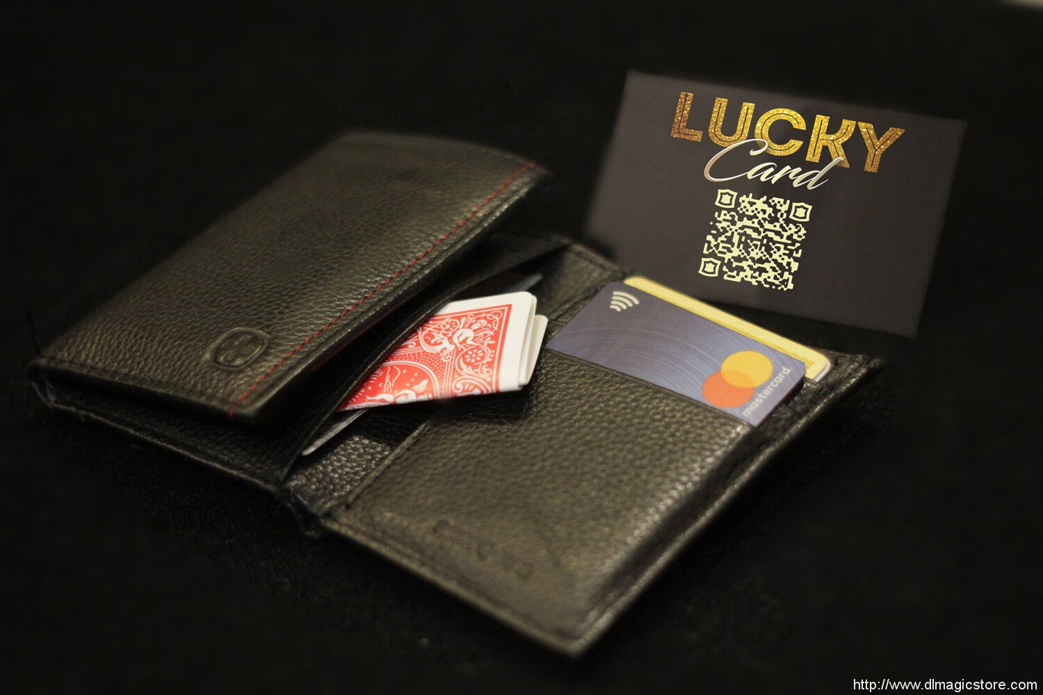 Lucky Card by Benoit Campana and Mathieu Bich