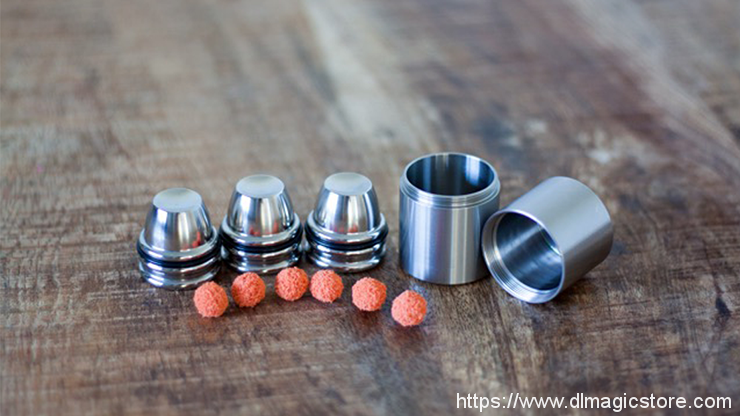 Micro Cups And Shells by Leo Smetsers (Gimmick Not Included)