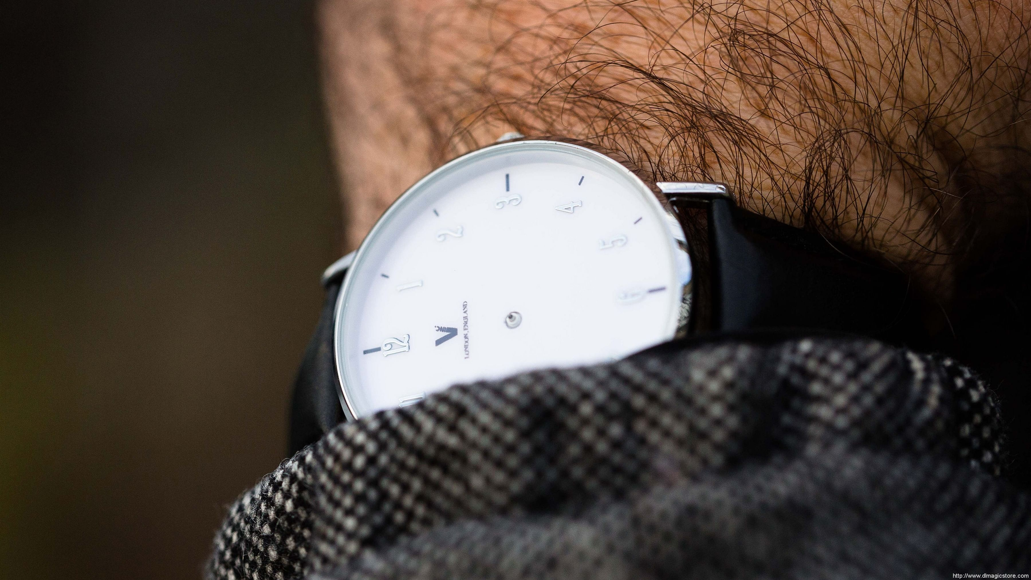 Timeless Deluxe by Liam Montier (Gimmick Not Included)