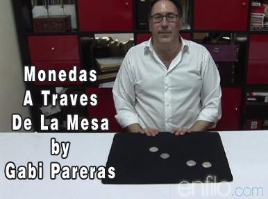 Monedas A Traves De La Mesa by Gabi Pareras
